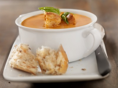 Simple & Delicious: Low Fat Creamy Tomato Basil Soup