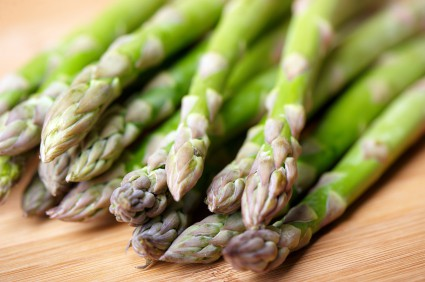 Quick and Healthy Parmesan Asparagus with Balsamic Reduction