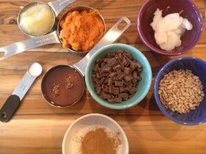 Clean pumpkin oatmeal cookie ingredients.